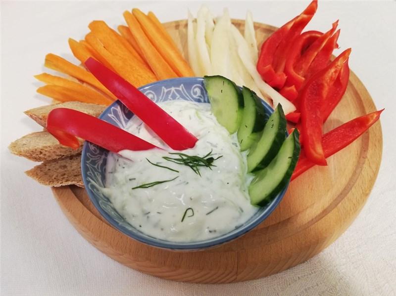 tzatziki salaty