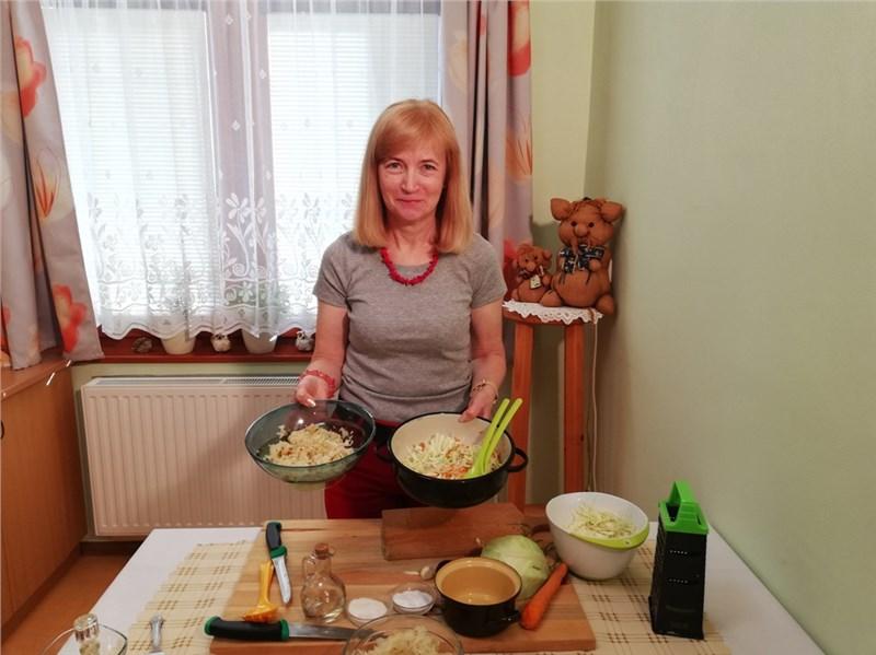 kapustovo mrkvový pikantný šalát