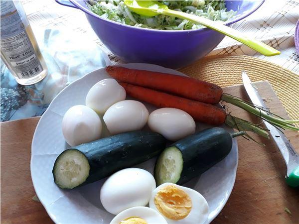 Kapustovo vajíčkový šalát