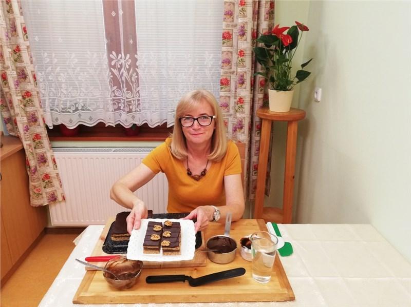 Orechový zákusok s čokol. polevou