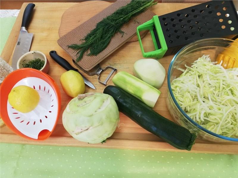 cuketovo kalerabovy salat