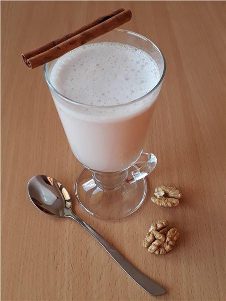 Mlieko z vlašských orechov