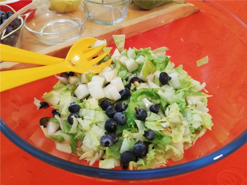 ovocne salaty recepty