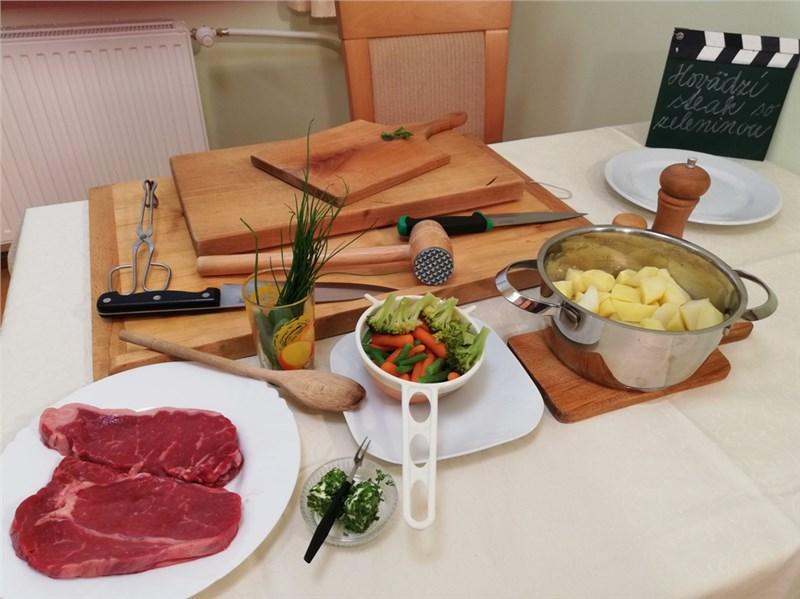 steak so zeleninou