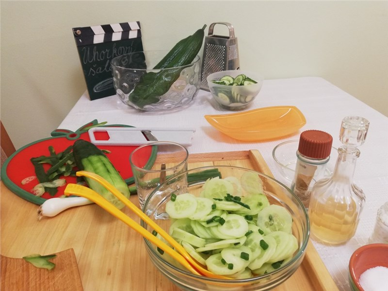 uhorkovy salat recept