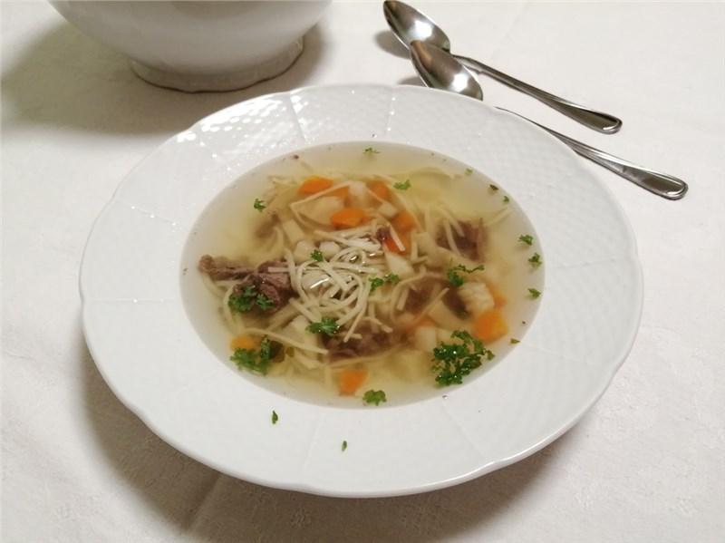 hovädzia polievka recept