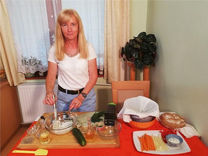 tzatziki salaty omacky