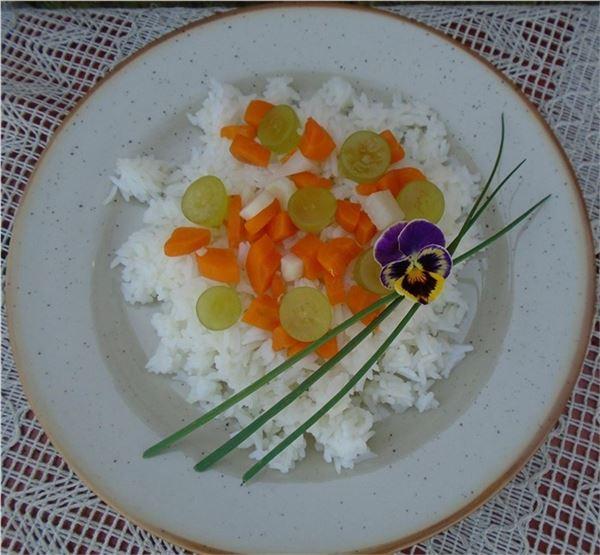 Jasmínová ryža s koreňovou zeleninou