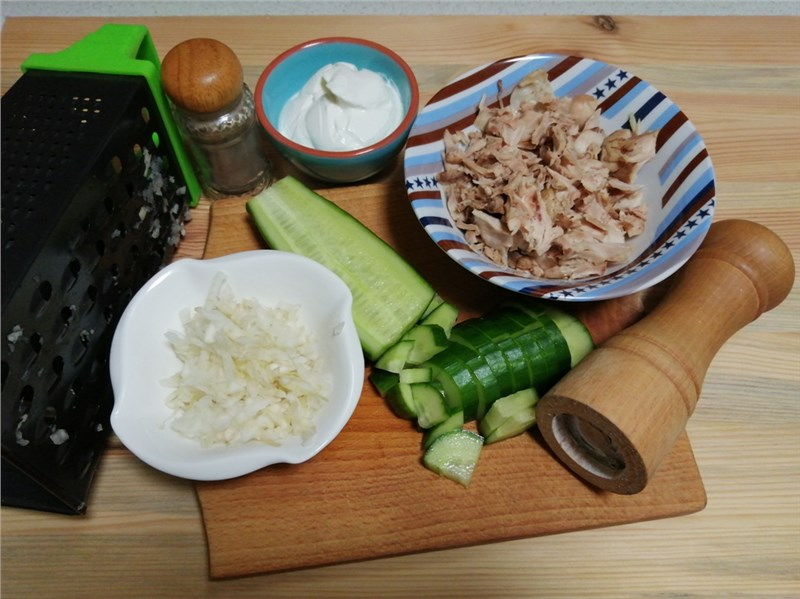uhorkovy salat s feniklom recept